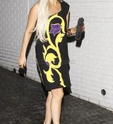Lady-GaGa-wears-yet-another-relatively-normal-outfit_28129.jpg