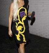 Lady-GaGa-wears-yet-another-relatively-normal-outfit_28729.jpg